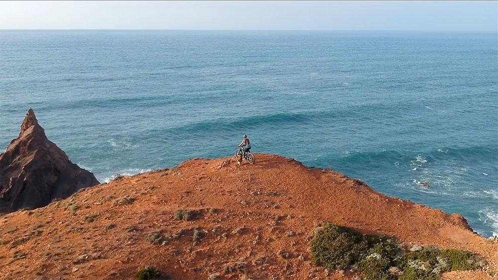 Vidéo Olivia Piana Rogue Sup Boardworks au Portugal